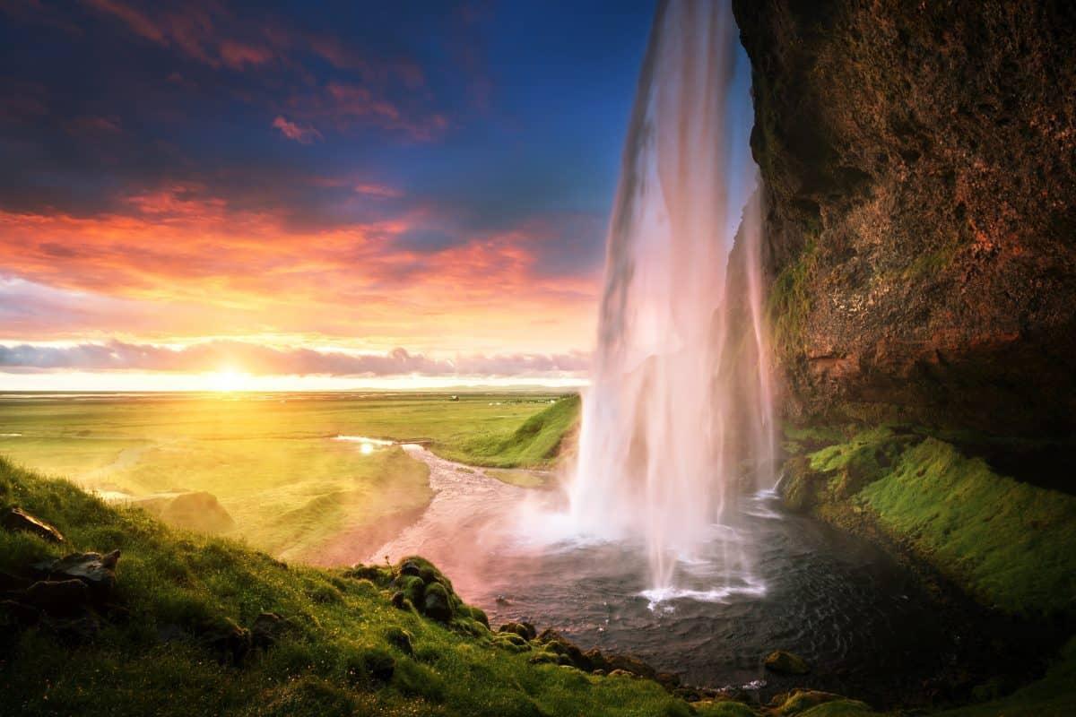 Seljalandsfoss waterfall in the midnight sun