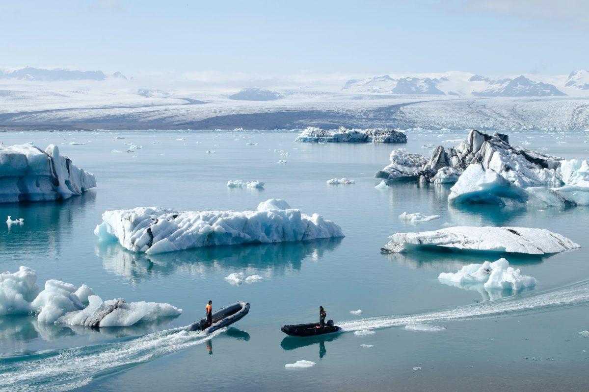 icebergs in jokulsarlon glacier lagoon iceland