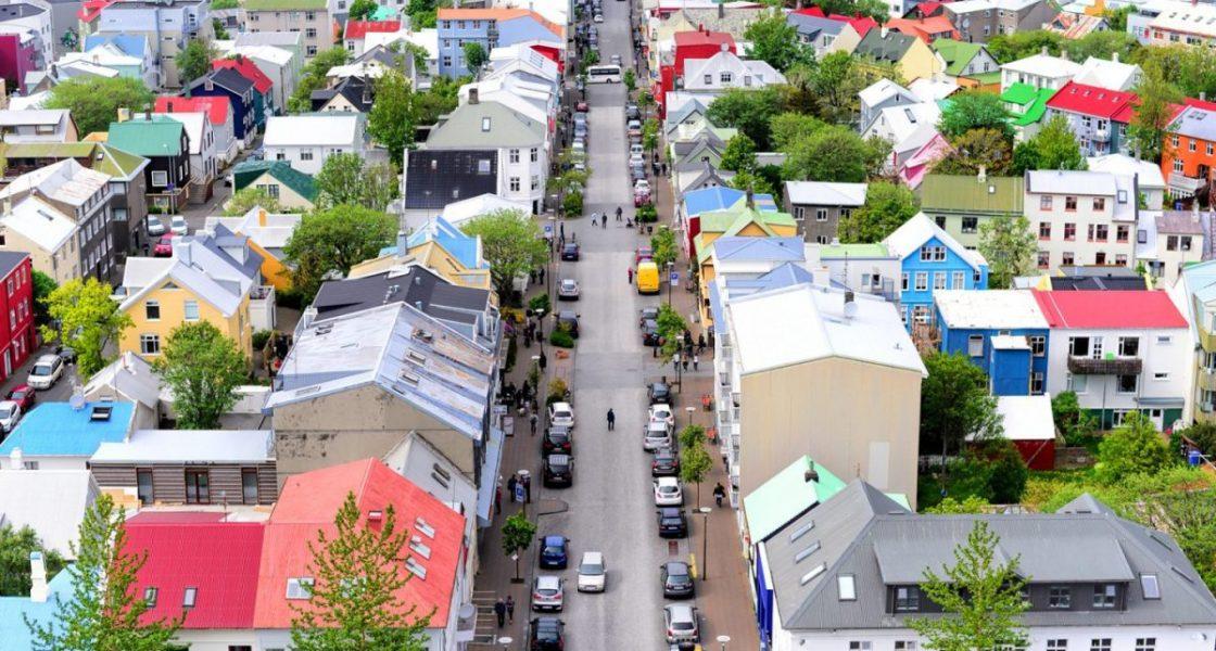 Maisons colorées au centre-ville de Reykjavik