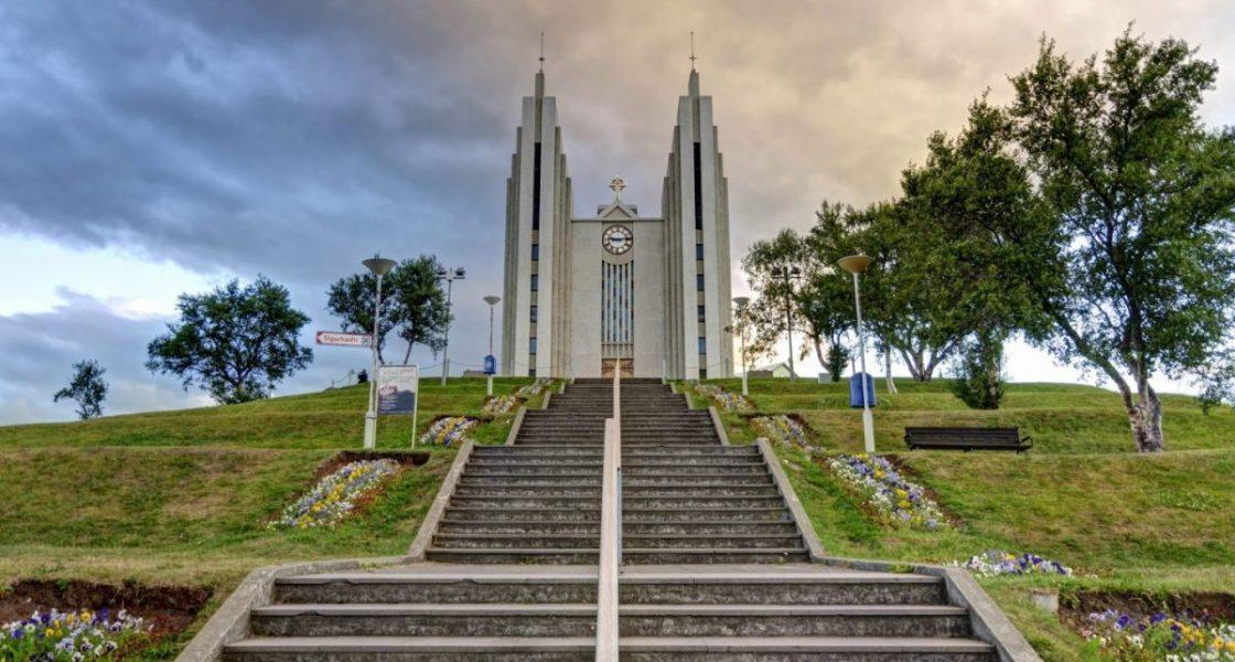 Akureyrarkirkja akureyri church on top of the mountain