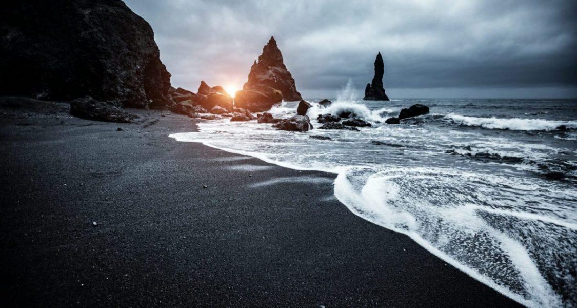 Plage de sable noir Reynisfjara