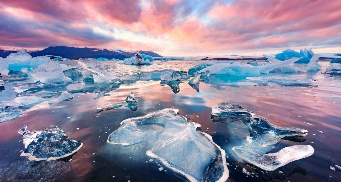 jokulsarlon glacier lagoon with floating ice