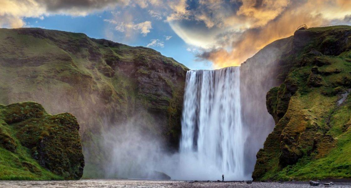 Cascade de Skogafoss, en Islande du Sud, présente dans Game of Thrones.