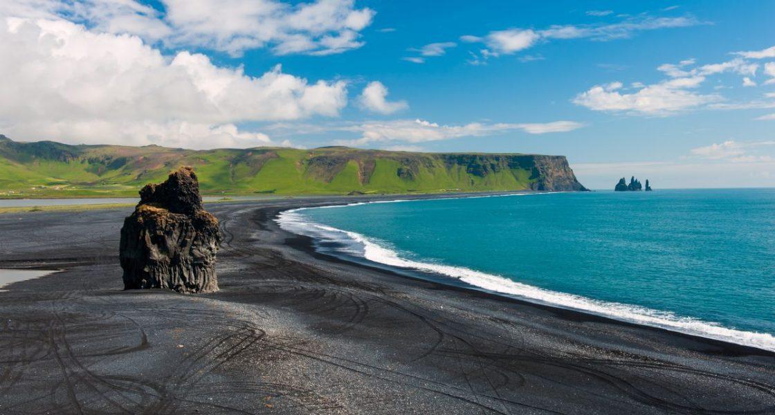Dyrholaey et plage de sable noir sud de l'Islande